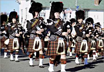 Pipes & Drums of Thunder Bay play.