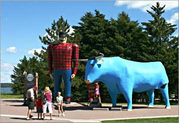 Bemidji's famous Paul Bunyan and Babe.