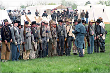 Civil War re-enactors in Butler, Mo.