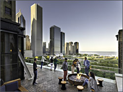 Rooftop restaurant of Chicago Athletic Hotel.