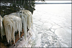 An ice fall along the trail to the caves.