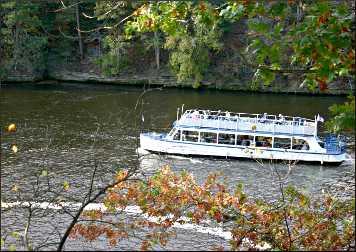 Dells Boat Tours.