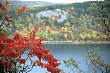 Fall colors at Devil's Lake.