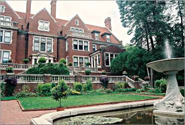 Duluth's Glensheen is the state's second-largest house.