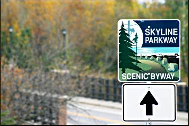 A Skyline Parkway sign.