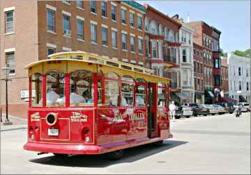 Two trolley tours prowl the streets of Galena, Ill.
