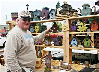 Birdhouse artist in Grand Marais.