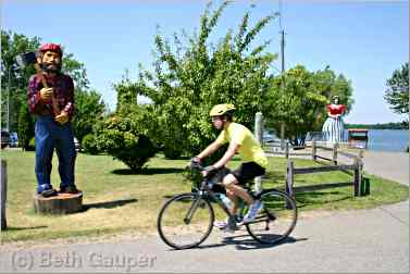 Bicyclist on the Paul Bunyan biking trail