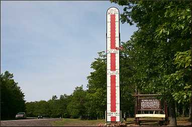 A giant thermometer on the Keweenaw.