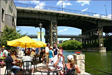 The riverside patio of Lakefront Brewery.