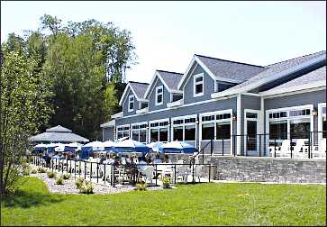 Bar Harbor restaurant on Gull Lake.