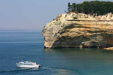A cruise boat along Pictured Rocks.