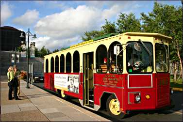 The pub-crawl trolley at the History Center.
