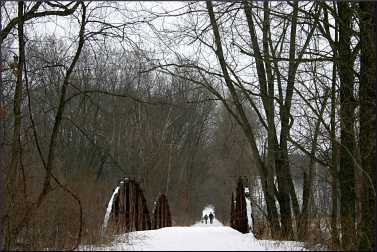 Winter hiking on Seven Bridges Road.