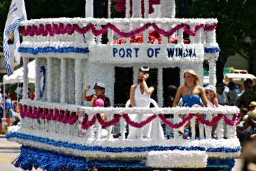 A steamboat float in Winona's Steamboat Days parade.