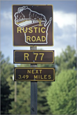A Wisconsin Rustic Roads sign.